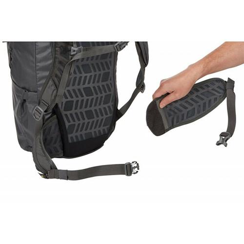 Thule-stir-28l-mens-hiking-pack-dark-forest-07
