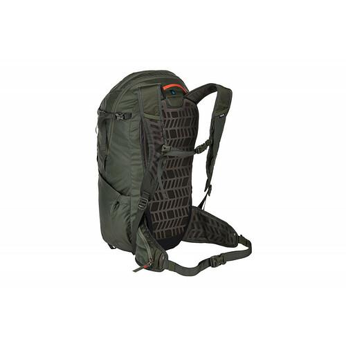 Thule-stir-28l-mens-hiking-pack-dark-forest-01