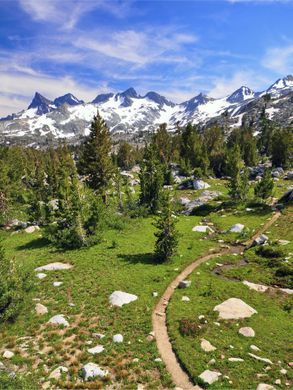org_wikipedia_commons_0_07_Ritter_Range_Pacific_Crest_Trail